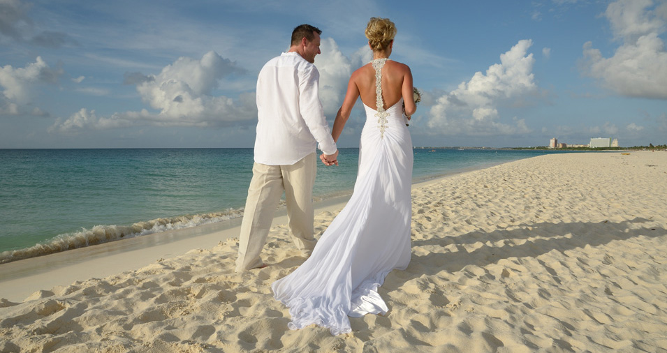 Aruba beach wedding ceremony
